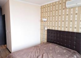Трёхкомнатный меблированный апартамент на Солнечном берегу . Фото 13