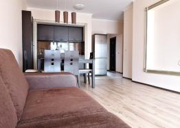 Трёхкомнатный меблированный апартамент на Солнечном берегу . Фото 6