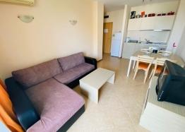 Отличная двухкомнатная квартира в комплексе Роял Сан. Фото 3
