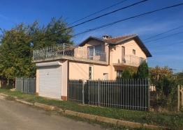 Двухэтажный капитальный дом в селе Оризаре. Фото 1