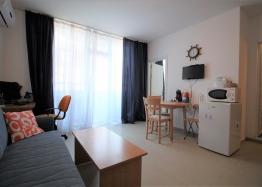 Компактная двухкомнатная квартира в центре курорта. Фото 5