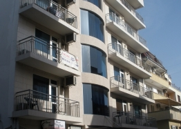 Двухкомнатная квартира без таксы поддержки в Несебре, Болгария. Фото 1