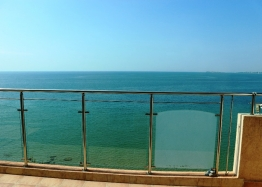 Квартира с видом на море на первой линии в Святом Власе. Фото 1