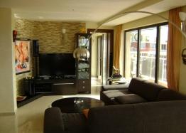 Трехкомнатная квартира на продажу в Помории около моря. Фото 1