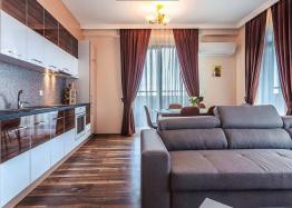 Элитная меблированная квартира в Бургасе . Фото 1