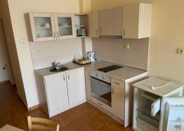 Двухкомнатная квартира в Поморие. Фото 1