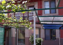 Большой самостоятельный дом с садом в центре села Оризаре. Фото 2