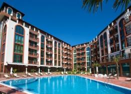 Отличная многокомнатная квартира в Несебре возле пляжа с видом на море. Фото 1