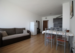 Недорогая двухкомнатная квартира в комплексе . Фото 7