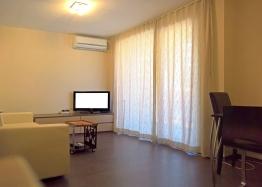 Двухкомнатная меблированная квартира в Святом Власе рядом с пляжем. Фото 3