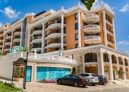 Двухкомнатная квартира с видом на море. Фото 15