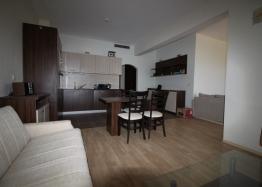 Просторный апартамент на первой линии в Царево, Врис. Фото 3