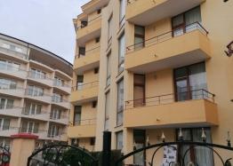 Трёхкомнатная квартира в центре Солнечного берега. Фото 17