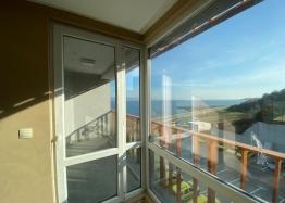 Купить двухкомнатный апартамент в Несебре на первой линии моря. Фото 11
