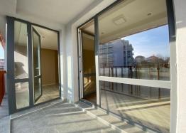 Купить двухкомнатный апартамент в Несебре на первой линии моря. Фото 10