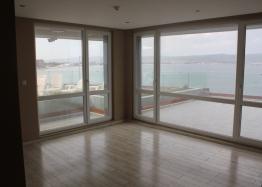 Панорамная квартира на первой линии моря в Несебре. Фото 2