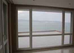 Панорамная квартира на первой линии моря в Несебре. Фото 13