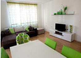 Двухкомнатная меблированная квартира на первой линии моря в Елените. Фото 2
