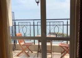 Апартамент с панорамной террасой на первой линии в Поморие. Фото 16