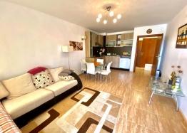 Двухкомнатная квартира в комплексе Этара 2. Фото 1
