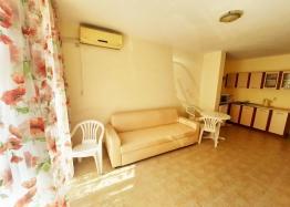 Двухкомнатная квартира в 100 м от пляжа с низкой таксой поддержки. Фото 7