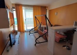 Квартира на первой линии моря в курорте Царево. Фото 2
