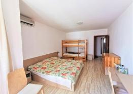 Двухкомнатная квартира в отличном комплексе в 200 метрах от моря. Фото 5