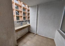 Отличная двухкомнатная квартира в здании без таксы поддержки на Солнечном Берегу. Фото 3